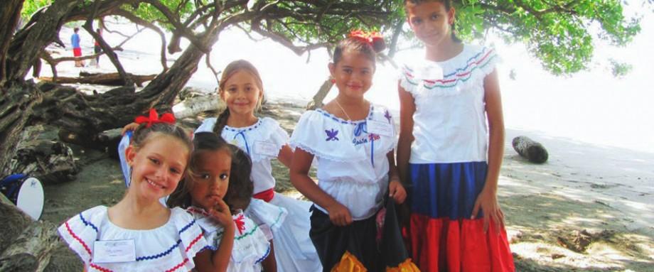 guanacaste-day_girls_jan-2013-920x383